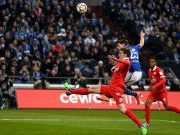 Huntelaar erzielt die Schalker Führung.