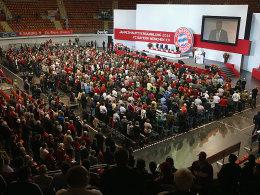 Volles Haus im Audi Dome: Jahreshauptversammlung beim mitgliederst�rksten Klub der Welt.
