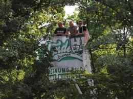 Werder-Fans wohnen dem Testspiel zwischen Bremen und Hannover im August bei