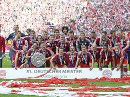 Werden die Bayern erneut Meister? Gewinnen sie oder ein anderes deutsches Team die Champions League? Und wer steigt ab?