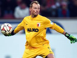 """""""Es steckt viel Charakter und Willen in der Mannschaft"""": Augsburgs Torh�ter Alexander Manninger."""