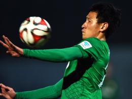Hohes Engagement: Augsburgs Neuzugang Dong-Won Ji.