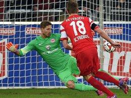 Dreimal zugeschlagen: Nils Petersen gelang bei seinem Debüt für Freiburg ein Hattrick.
