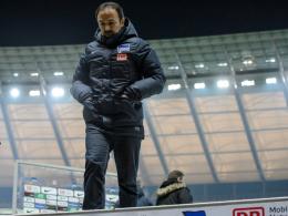 Abgang aus dem Berliner Olympiastadion: Jos Luhukay ist nicht mehr Trainer der Herthaner.