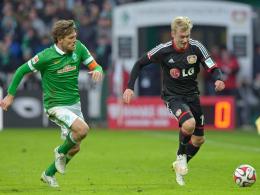 Befindet sich auf dem aufsteigenden Ast: Leverkusens Youngster Julian Brandt (re.), hier im Duell mit Bremens Clemens Fritz.