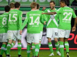 Im Zentrum der Freude: VfL-Torjäger Bas Dost.