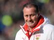 """Will sich im Abstiegskampf auf das """"Wichtige"""" konzentrieren: Stuttgarts Trainer Huub Stevens."""