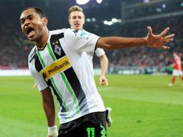 Erster Doppelpack nach anderthalb Jahren: Mönchengladbachs Raffael bejubelt seine Treffer.
