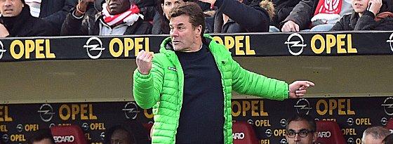 Haderte mit seiner Mannschaft: VfL-Trainer Dieter Hecking.