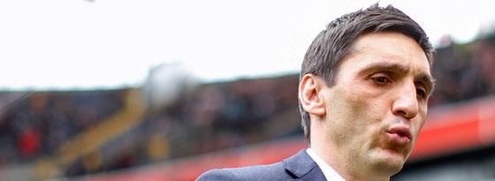 Durchatmen angesagt: Nach dem Remis in Frankfurt bleibt 96-Coach Tayfun Korkut wohl im Amt.
