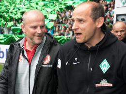"""""""Ehrlich, ich habe mich nur über die drei Punkte gefreut"""": Werder-Coach Viktor Skripnik nach dem Duell mit Thomas Schaaf (li.)."""