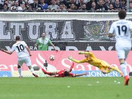 Eingenetzt: Max Kruse brachte Gladbach gegen Leverkusen auf Kurs.