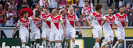 Partystimmung: Köln bleibt in der Bundesliga.