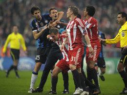 Szene aus dem Champions-League-Achtelfinale Bayern gegen Inter 2011