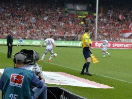 Kameramann bei der Partie Freiburg gegen Bayern