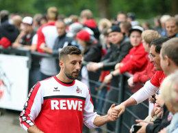 Hat demnächst wohl noch mehr Zeit für die Fanpflege: Der verletzte FC-Verteidiger Dominic Maroh.