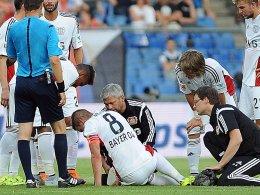 Verletzt: Lars Bender (Nr. 8) musste gegen Basel nach 38 Minuten vom Feld.