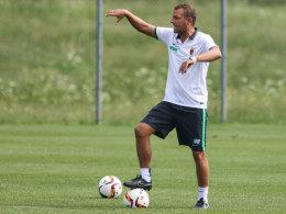 Dirigiert sein Team zu mehr Stabilität bei Kontersituationen: Markus Weinzierl.