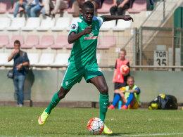 """""""Technisch stark, für seine Größe sehr beweglich, fußballintelligent"""" - so wird Ousman Manneh derzeit gelobt."""