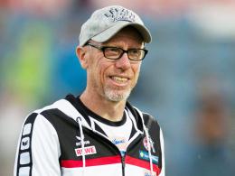 """""""41 Punkte plus X"""": Kölns Trainer Peter Stöger tritt die Euphoriebremse."""