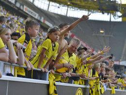 Vorfreude: Mitglieder im BVB-Kids-Club profitieren von den neuen Stehplätzen.