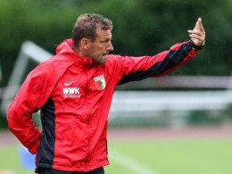 Markus Weinzierl warnt davor, das sein FCA die SV Elversberg nicht unterschätzt.