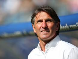 Will sich erst nach dem Pokal auf einen Kapitän festlegen: HSV-Coach Bruno Labbadia.