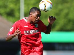 Will seine Kopfballstärke auch offensiv öfter nutzen: Hannovers Marcelo, der nun bis 2018 bei 96 bleibt.