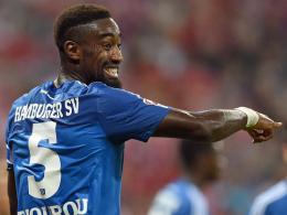 Kann er gegen Stuttgart spielen? HSV-Verteidiger Johan Djourou leidet derzeit an Adduktorenproblemen.
