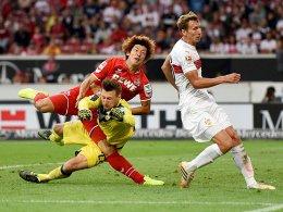 Yuya Osako kracht mit Przemyslaw Tyton zusammen.