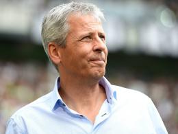 """Schwaches Defensiv-Verhalten: Gladbach-Coach Lucien Favre sieht """"eine ganze Menge Arbeit""""."""