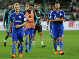 Konsterniert: Johannes Geis (li.), Klaas-Jan Huntelaar waren nach der Pleite in Wolfsburg bedient.