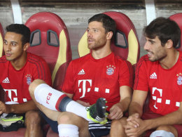 Drei Spanier für Pep: Thiago, Xabi Alonso und Javi Martinez (v.l.) sind wichtige Stützen des FC Bayern.