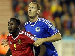 Toni Sunjic (re., gegen Belgiens Romelu Lukaku).