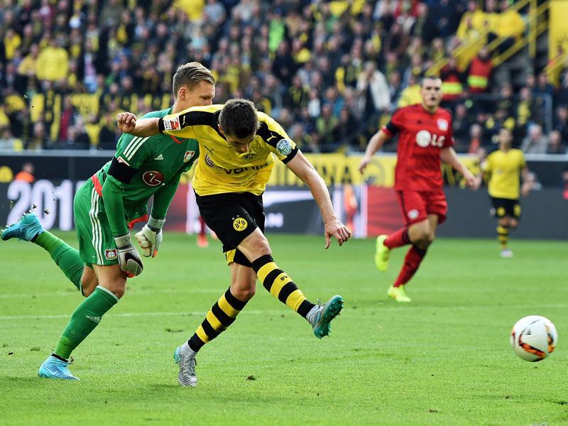 Schuss ins Glück: Dortmunds Hofmann trifft zum 1:0.