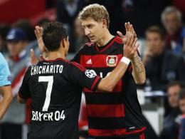 """""""Natürlich können beide zusammenspielen"""", sagt Bayer-Coach Schmidt über seine Stürmer Kießling (re.) und Chicharito."""