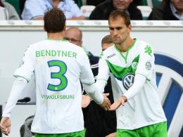 Wer stürmt für Wolfsburg in München? Bas Dost (re.) oder Nicklas Bendtner?