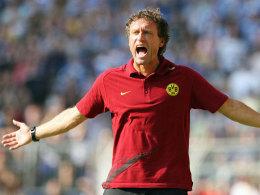 Ihm platzte bei der Pressekonferenz der Kragen: BVB-Coach Thomas Doll.