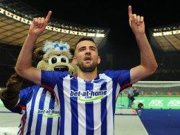 Zwei Finger für zwei Tore: Matchwinner Vedad Ibisevic nach dem Erfolg über Köln.