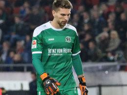 Sechstes Spiel, fünfte Niederlage: Hannovers Schlussmann Ron-Robert Zieler.