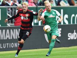 Bundesligadebüt: Bremens Youngster Marcel Hilßner, hier rechts gegen Leverkusens Julian Brandt.