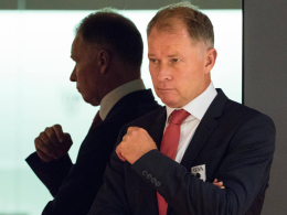 Augsburgs Manager Stefan Reuter