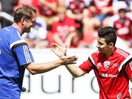 """""""Wir haben keine Erfahrung mit dieser Verletzung"""", sagt FCI-Coach Ralph Hasenhüttl über Danilo (re.)."""