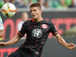 Ist derzeit rechts hinten gesetzt: Eintracht Frankfurts Aleksandar Ignjovski.