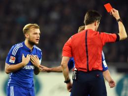 Fehlt Schalke nicht nur in der Bundesliga, sondern auch im Pokal: Spielmacher Johannes Geis, der von Schiedsrichter Stark Rot sah.