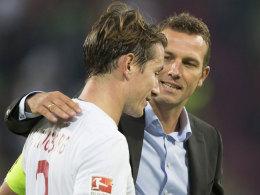 Hält das Sprunggelenk? Markus Weinzierl würde liebend gerne gegen Mainz wieder auf Kapitän Paul Verhaegh zurückgreifen.
