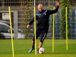 Müht sich, um gegen den Ex-Klub rechtzeitig einsatzbereit zu werden: Konstantin Rausch.
