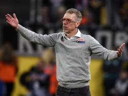 War restlos bedient: FC-Trainer Peter Stöger während der Partie gegen Hoffenheim.