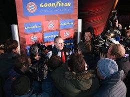 Im Mittelpunkt: Bayerns Vorstandschef Karl-Heinz Rummenigge.