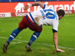 wieder auf den Beinen: HSV-Stürmer Pierre-Michel Lasogga.